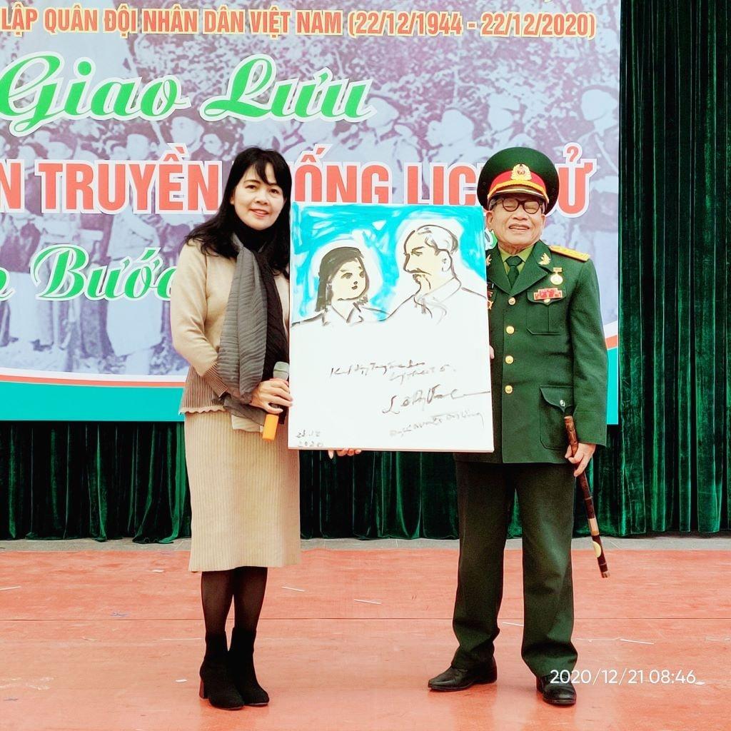 Gặp Anh hùng LLVTND - nhà điêu khắc, hoạ sĩ Lê Duy Ứng – Người vẽ bằng ánh sáng niềm tin