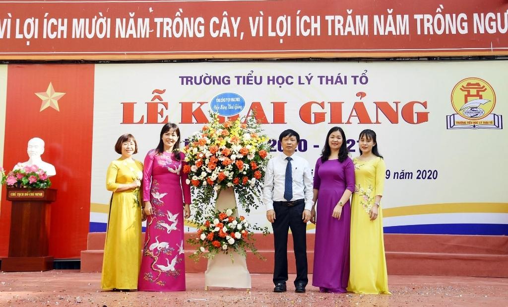 Thầy trò trường Tiểu học Lý Thái Tổ hân hoan trong ngày khai trường đặc biệt