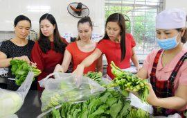 Không ngừng nâng cao chất lượng bữa ăn bán trú cho học sinh