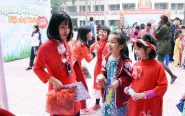 """Rộn ràng """"Spring Festival-Hội chợ Xuân Kỷ Hợi 2019"""" ở trường Tiểu học Lý Thái Tổ"""