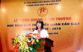 Bạn Trương Diệu Anh vinh dự được báo cáo thành tích tại Lễ tuyên dương, khen thưởng HSG tiêu biểu quận Cầu Giấy